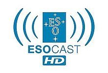 """ESOcast logo: """"ESO"""" v modrém náměstí s modrými rádiové vlny vycházející z něj"""