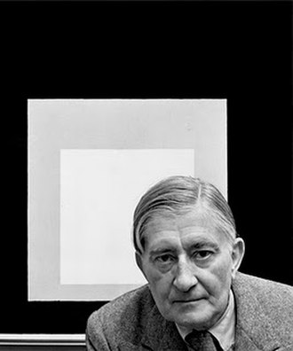 Josef Albers - Josef Albers, in front of one of his 'Homage to the Square' paintings