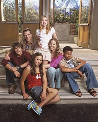 Unfabulous - The cast (from left to right) Kelly, Flanagan, Jow, Roberts, Hagan, and Calloway