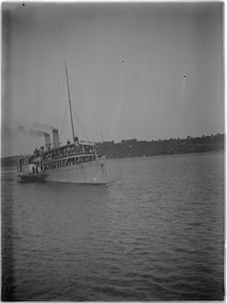 Ozone (paddle steamer) - Paddle steamer Ozone on Port Phillip Bay (c.1900).