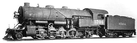 A 1914 picture of Reading Class M1sa showing the cab behind the wide Wootten Firebox, a first for the Reading Reading 2-8-2 M1 1704.jpg