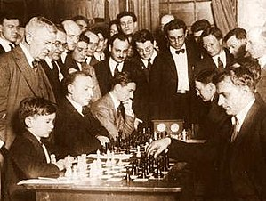 Samuel Reshevsky - Reshevsky playing chess in 1922