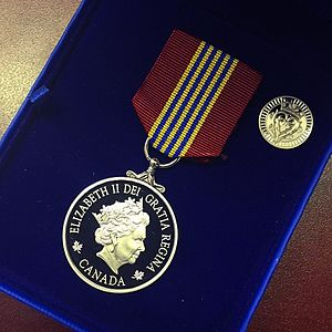 Sovereign's Medal for Volunteer and Pin