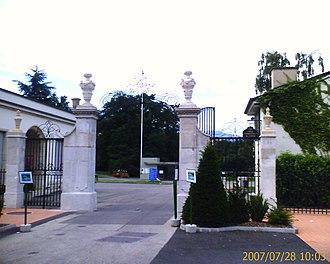 International School of Geneva - Image: Ecolint Main Entrance