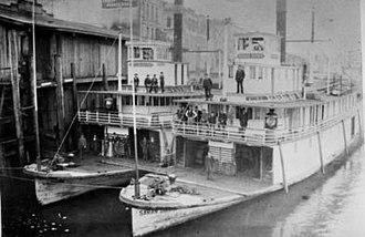 Sarah Dixon (sternwheeler) - Image: GW Shaver and Sarah Dixon at Portland 1897