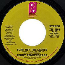 "Lable for the 7-inch single of ""Turn Off The Lights"" by Teddy Pendergrass.jpg"
