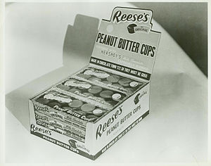 Reeses-peanut-butter-cup-retail-display