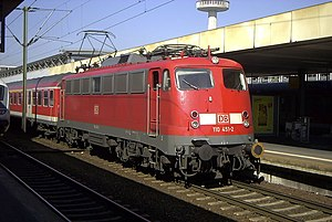 DB Class E 10 - 110 451-2 with a Regionalexpress at Hannover Hauptbahnhof, 2003-03-18