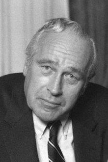 Robert Ludlum portrait photo