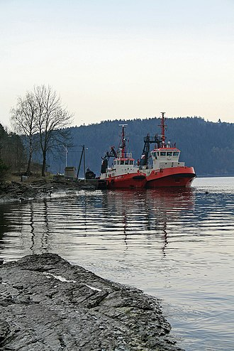 Frierfjord - Tug boats near Norsk Hydro at Herøya, Porsgrunn
