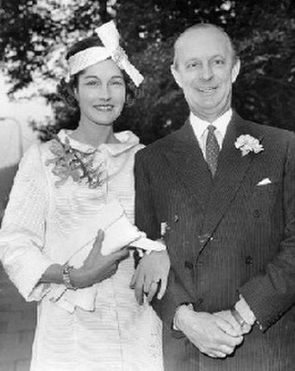 William Astor, 3rd Viscount Astor - Astor (right) with his third wife, Bronwen, on their wedding day