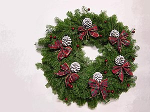 Christmas wreath with six bows