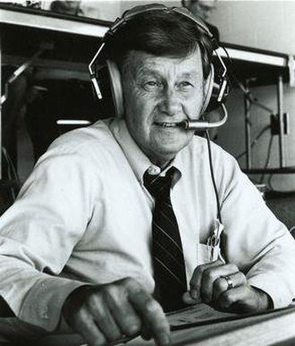 Larry Munson - Image: Larry Munson in the booth