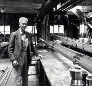 Spaulding Wooden Boat Center - Myron Spaulding in the spar loft at the Spaulding Boatworks (1995)