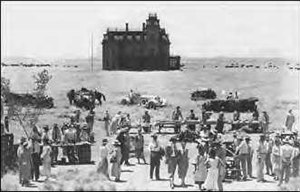 Giant (1956 film) - Cast members and crew at work on the Reata mansion set. The Second-empire Victorian mansion facade designed by Boris Leven became an iconic image for the film.