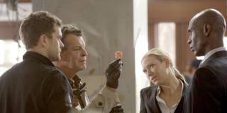 Fracture (<i>Fringe</i>) 3rd episode of the second season of Fringe