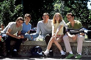 Scream (1996 film) - The central young cast of Scream. From left to right: Ulrich, Campbell, Lillard, McGowan, and Kennedy.