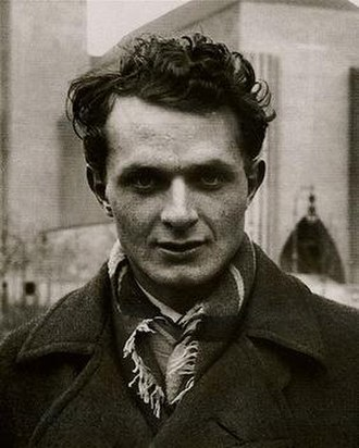 Stephen Spender - Spender in 1933