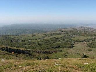 Crimean Mountains - Image: Chatyr dag plateau 2