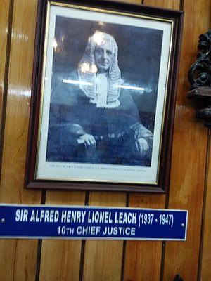 Lionel Leach