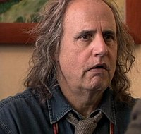 Jeffrey Tambor as Oscar Bluth