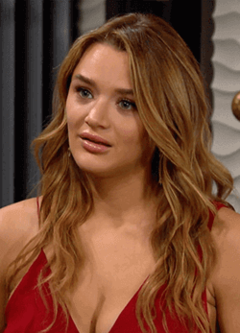 Hunter King as Summer Newman.png