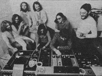 Faust (band) - Faust at Wümme, 1971; back from left: Zappi, Péron, Sosna, Wüsthoff, Irmler, Meifert; front from left: Nettelbeck (producer), Graupner (engineer)