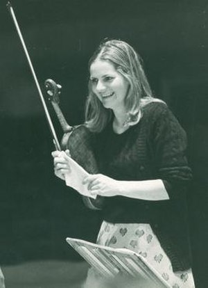 Iona Brown - Iona Brown playing as a violinist with Neville Marriner and the Academy of St Martin-in-the-Fields.