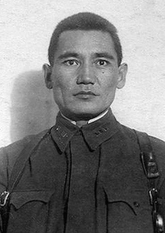 Bauyrzhan Momyshuly - Senior Lieutenant Baurzhan Momyshuly, 1941.