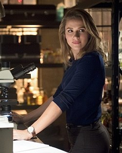 Patty Spivot (Shantel VanSanten)