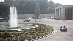Roma Ostiense railway station - The fountain of Piazzale dei Partigiani immortalized in the final scene of Carlo Verdone's Un sacco bello in 1980.