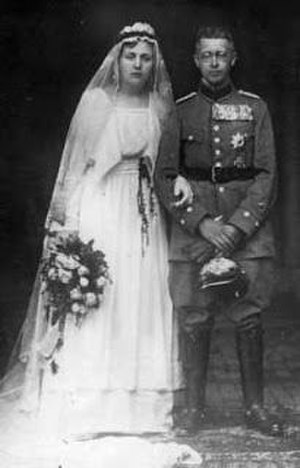 Princess Calixta of Lippe - Calixta and her husband Prince Waldemar of Prussia the day of their marriage.