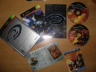 Halo 2 - Contents of the Limited Collector's Edition.