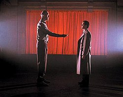 Agent Dale Cooper (Kyle MacLachlan) meets with the Giant