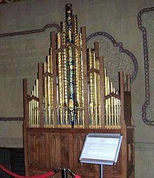 five rank organ from the front