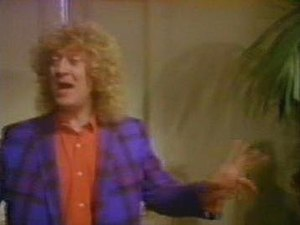 "All Join Hands - Noddy Holder in the ""All Join Hands"" music video"