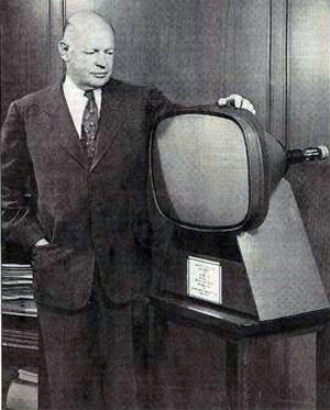 Allen B. DuMont - DuMont with first 21-inch color TV picture tube (1954)