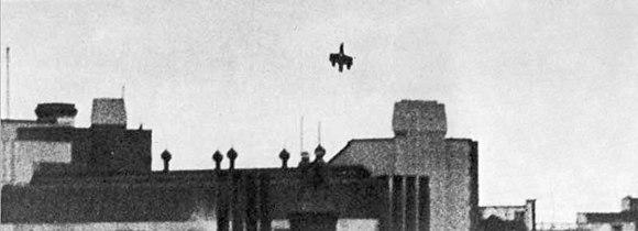 Zehbe's Dornier falling on Victoria Station after being rammed by Ray Holmes, 15 September 1940 Dorniervictoriastation.jpg