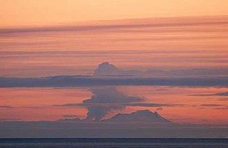 Fourpeaked Mountain - Fourpeaked Volcano during eruption, September 17, 2006