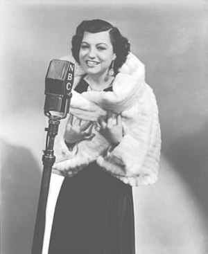 Rosa Ponselle - Rosa Ponselle at the NBC Radio microphone, 1936