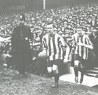 1915 FA Cup Final - Captain George Utley leads Sheffield United out for the 1915 FA Cup final.
