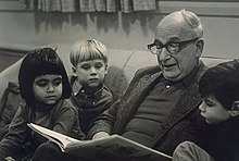 H. A. Rey reading to children in the early 1970s