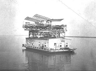 Aircraft catapult - Samuel Pierpont Langley's catapult, houseboat and unsuccessful man-carrying Aerodrome (1903)