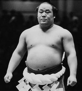 Tamanoumi Masahiro Japanese sumo wrestler