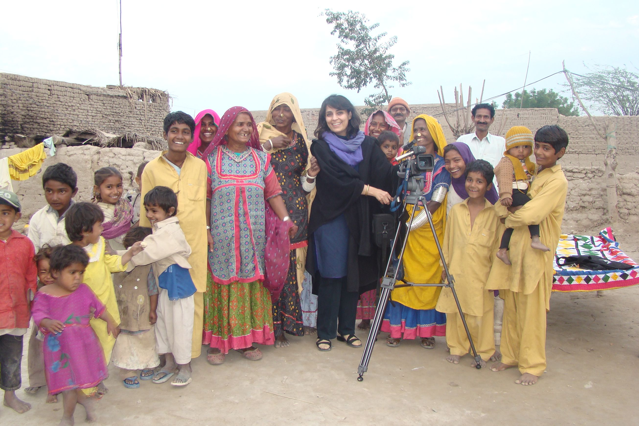 Samar Minallah (in the middle) Filming in Rahimyar Khan for a documentary on Human Trafficking.JPG