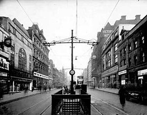 Briggate, Leeds - Trams on Briggate around 1950