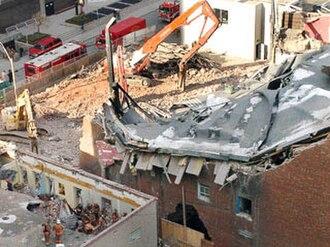 Uptown Theatre (Toronto) - Image: Uptown Theatre Toronto collapse 2003