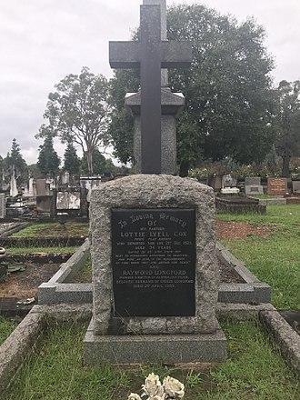 Lottie Lyell - Graves of Lottie Lyell and Raymond Longford at Macqaurie Park.