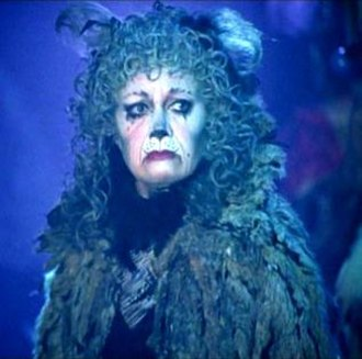 Grizabella - Elaine Paige as Grizabella in the 1998 Cats video.