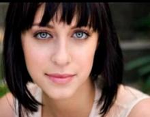 Jessica Falkholt.png